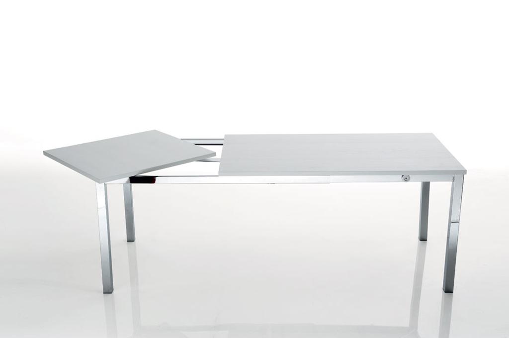 Tavoli e sedie economici mobili commerciali alluaperto for Mobili di design a buon mercato