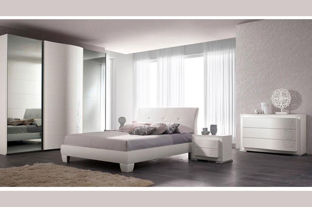 Charm camere da letto moderne mobili sparaco for Camera da letto laccata bianca