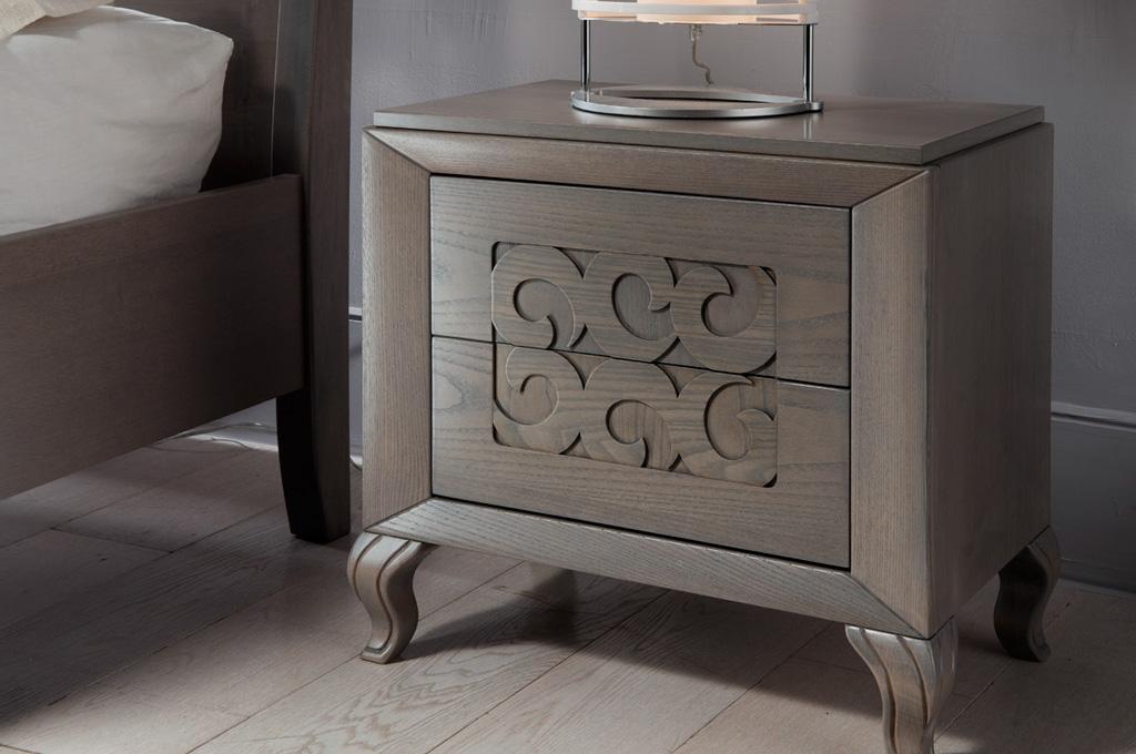 Gioia camere da letto classiche mobili sparaco for Camere da letto in legno prezzi