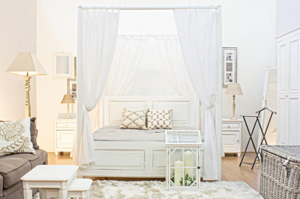 Colette camere da letto classiche mobili sparaco - Letto a baldacchino in legno ...