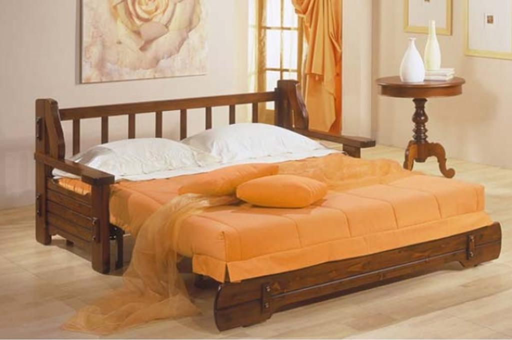 Corsica divani classici mobili sparaco for Divano letto legno