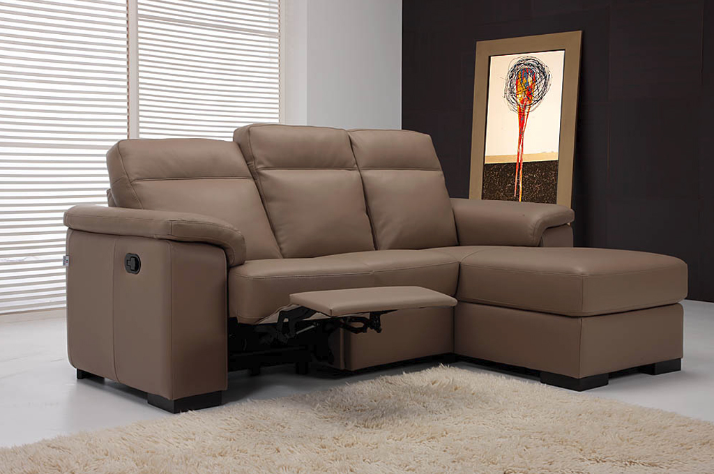 Esedra divani moderni mobili sparaco for Divani mobilia