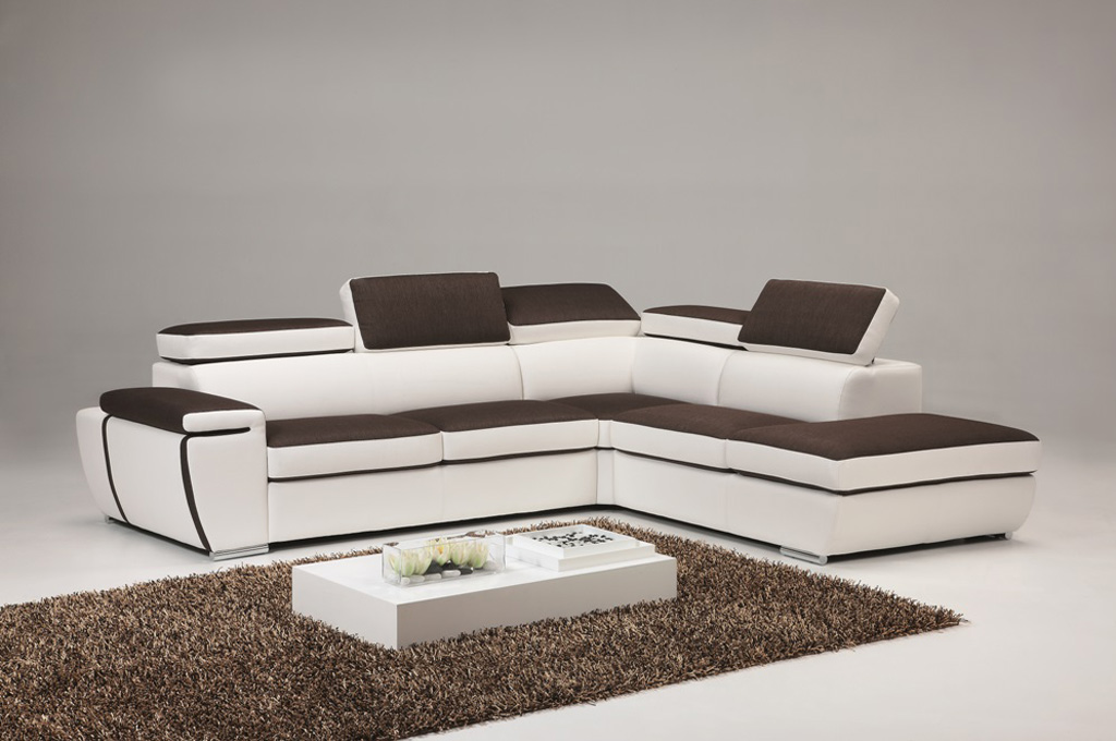 Divani particolari moderni idee per il design della casa for Prezzi divani moderni